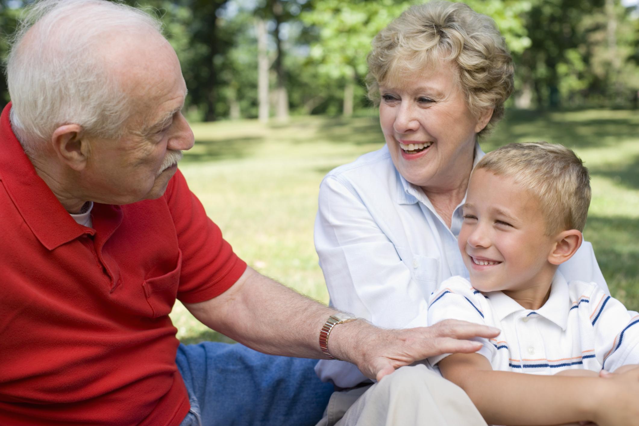 Как прописать ребенка к бабушке без родителей?